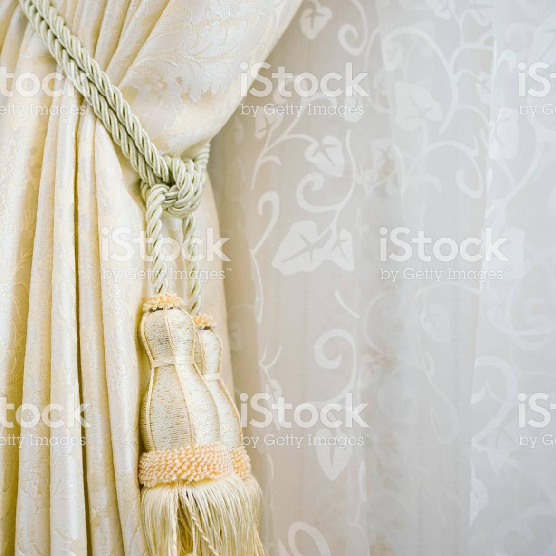 518779531-istock-9-textil.jpg